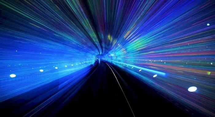 Acest nou experiment cu viteza luminii ar putea revoluționa călătoria în timp