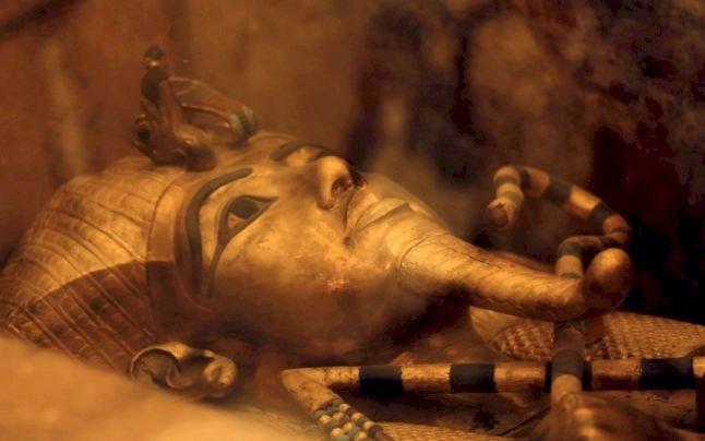 Faraonul Tutankhamon avea un pumnal de origini extraterestre