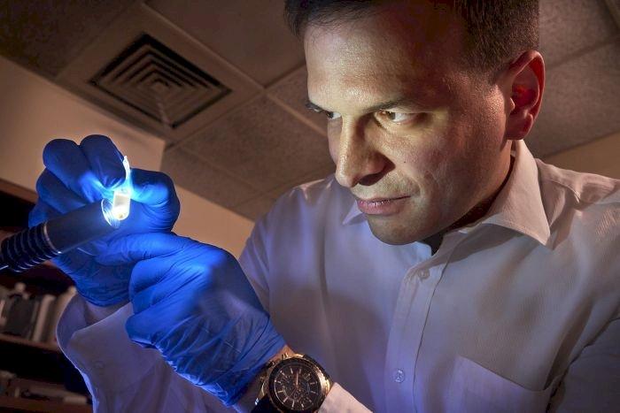 """A fost descoperit cel mai vechi material de pe Terra, mai """"bătrân"""" decât Sistemul Solar"""