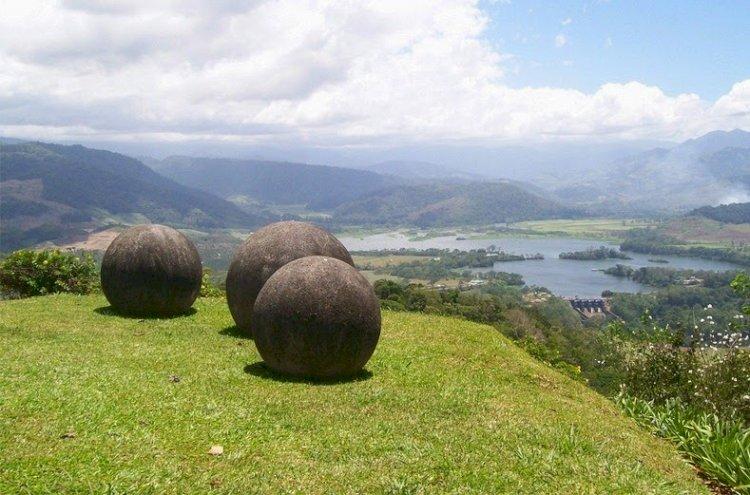 Sferele misterioase din Costa Rica