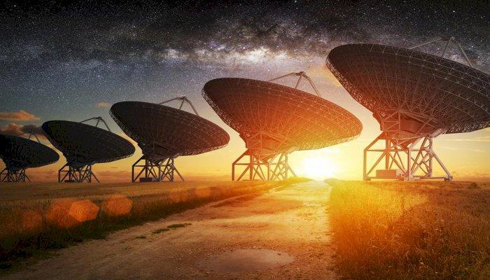 """Cercetatorii au identificat un numar record de semnale """"extraterestre"""""""